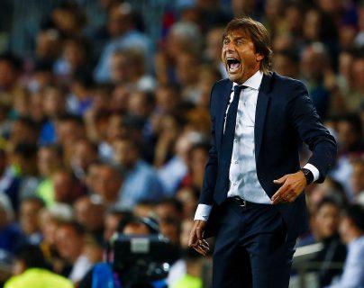 El entrenador del Inter de Milán, Antonio Conte, durante el partido ante el Barcelona. (Foto Prensa Libre: EFE)
