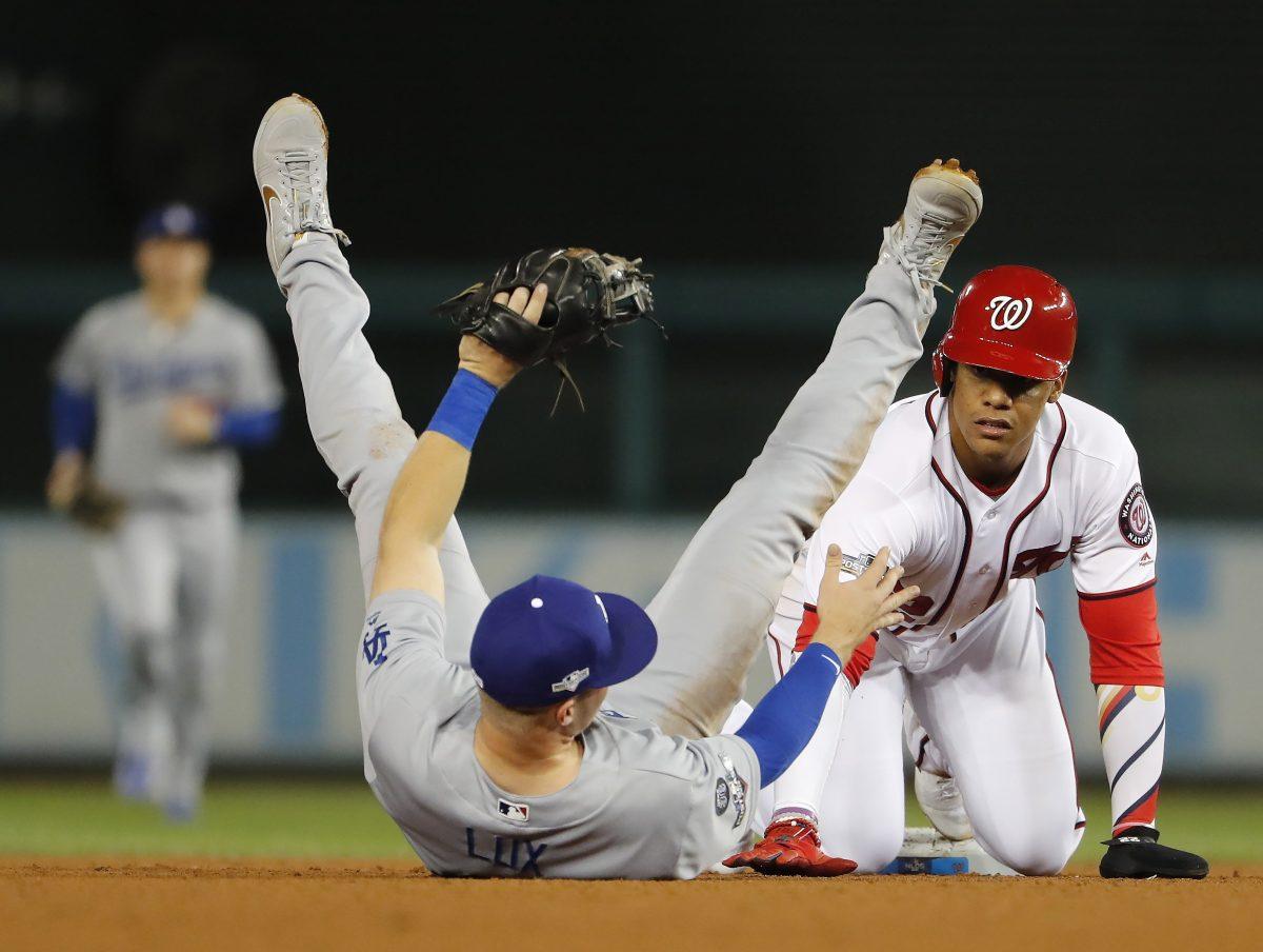 Grandes Ligas de béisbol retrasan inicio de temporada al menos ocho semanas