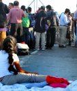 Migrantes centroamericanos durante una protesta en México el 10 de octubre de 2019 para que Estados Unidos atienda sus solicitudes de asilo. (Foto Prensa Libre: EFE).