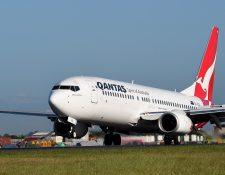 La aerolína australiana Qantas revisó 33 aviones Boeing 737 de su flota tras descubrir grietas estructurales en uno de sus aeronaves. (Foto Prensa Libre: EFE)