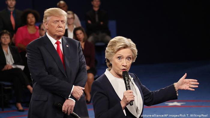 Hillary Clinton y Donald Trump en uno de los debates públicos en campaña.