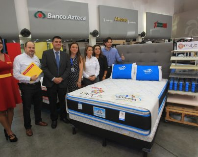 Tiendas Elektra presentó la nueva línea Matiz de camas Olympia. Foto Norvin Mendoza