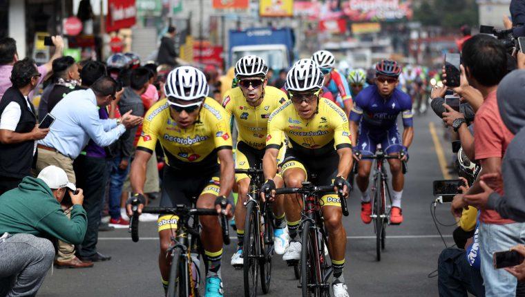 El equipo Decorabaños se ha consagrado en los últimos tres años en el ciclismo guatemalteco. (Foto Prensa Libre: Carlos Vicente)