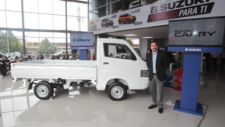 Autos Suzuki muestró su renovado camión Carry.  Foto (Prensa Libre: Norvin