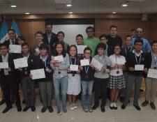 En Universidad Galileo se realizó el reconocimiento de los ganadores de las Olimpiada Iberoamericana de Matemática y  torneos nacionales. Foto Prensa Libre: Norvin Mendoza