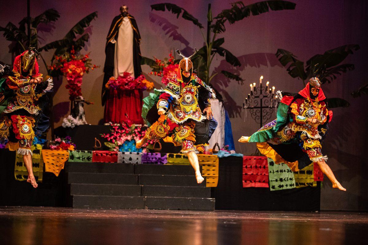 Fotogalería: Presentación de El Paabanc del Ballet Moderno y Folklórico