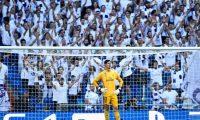 El portero  Courtois ha sido criticado muy duro por la afición. (Foto Prensa Libre: AFP)