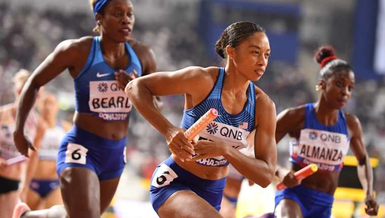 Allyson Felix logró su medalla 18 en mundiales de atletismo. (Foto Prensa Libre: AFP)
