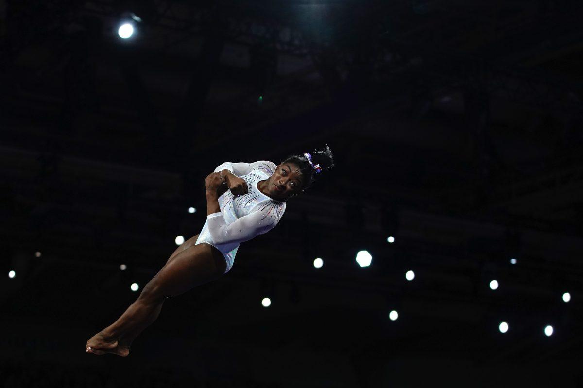 Simone Biles reinventa la gimnasia y gana su quinto título mundial