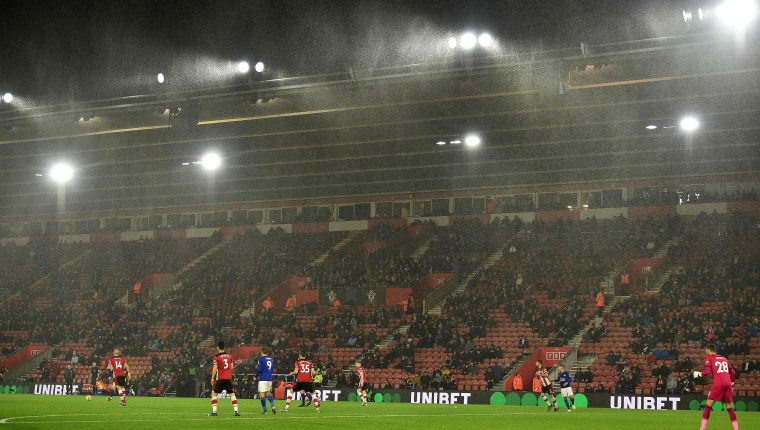 Los jugadores del Southampton fueron humillados por el Leicester City. (Foto Prensa Libre: AFP)