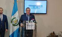El presidente electo Alejandro Giammattei da detalles de su gira. (Foto Prensa Libre).