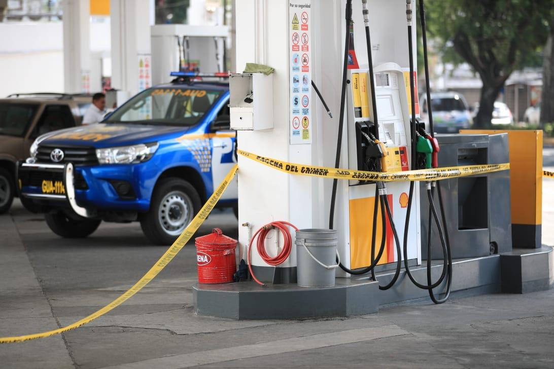 Ocupantes de vehículo matan a empleado de gasolinera en la zona 9