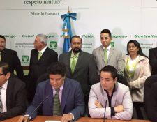 Diputados de la UNE informan de su propuesta para reformar la Ley Orgánica del Ministerio Público. (Foto Prensa Libre: @BloqueUNE_OL).