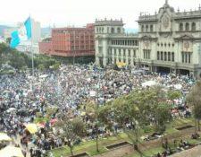 En Guatemala se han registrado multitudinarias manifestaciones para rechazar la corrupción en instituciones estatales. (Foto Prensa Libre: Hemeroteca PL)