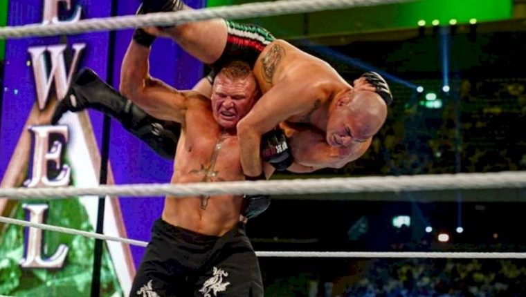 Caín Velásquez perdió contra Broke Lesnar en la WWE. (Foto Prensa Libre: Redes)