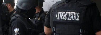 Agentes del Comando Antisecuestros participaron en el rescate. Imagen ilustrativa. (Foto Prensa Libre: Hemeroteca PL).