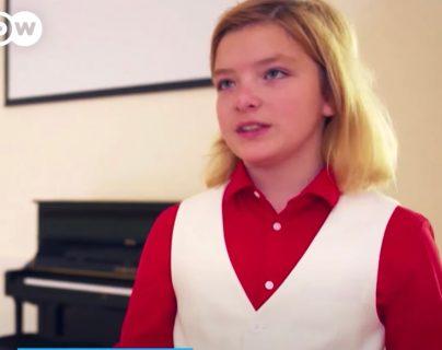 """El pianista austríaco Elías Keller es considerado """"un genio"""" de la música. Deutsche Welle"""