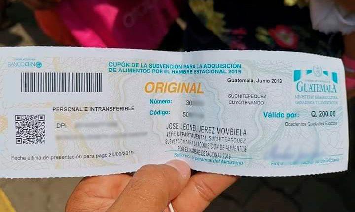 Los cupones que el Maga entrega son canjeables por Q200 en granos y alimentos de primera necesidadd. (Foto Prensa Libre: Hemeroteca PL)