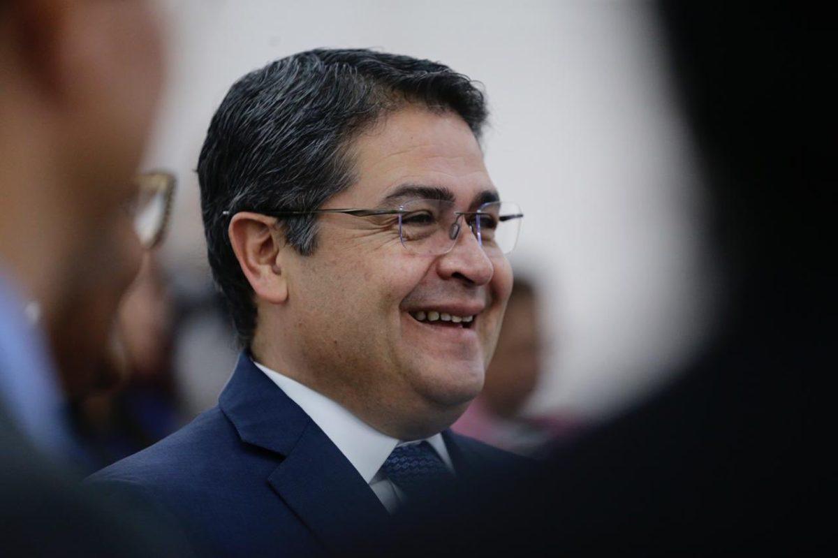 """""""No soy amigo"""" de narcos: presidente de Honduras se defiende de acusaciones de Estados Unidos"""