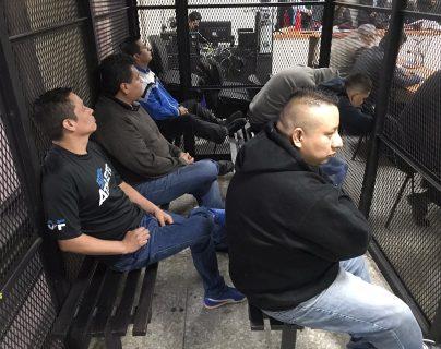 Integrantes de la banda El Patrón, durante la audiencia. (Foto Prensa Libre: Edwin Pitán)