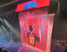 El espectáculo Messi 10 de Cirque du Soleil fue estrenado este jueves 10 de octubre en Barcelona. (Foto Prensa Libre: Twitter @MessiCirque)