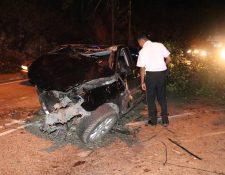 El vehículo quedó destruido tras el impacto. (Foto: Bomberos Voluntarios)