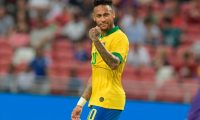 Brazil's Neymar celebrates during the friendly international football match between Brazil and Senegal at the National Stadium in Singapore on October 10, 2019. (Photo by Roslan RAHMAN / AFP)