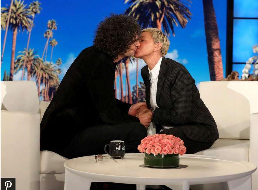 Por este motivo fue que Ellen DeGeneres besó a Howard Stern