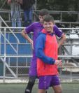 Alejandro Díaz jugará su primer Clásico del futbol guatemalteco. (Foto Prensa Libre: Twitter @@Rojos_Municipal)