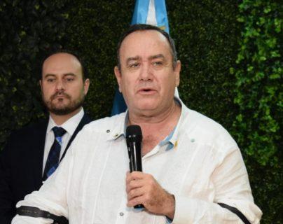 El presidente electo, Alejandro Giammattei ofreció una conferencia de prensa al regresar de  Venezuela. (Foto Prensa Libre: María René Gaytán)