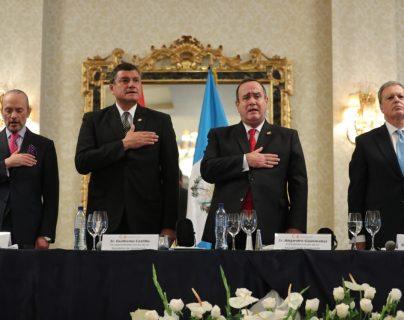 El presidente electo, Alejandro Giammattei, asistió a una actividad con la Cámara de Comercio Española. (Foto Prensa Libre: Érick Ávila)