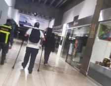 Alejandro Giammatei al momento de dejar Venezuela después que las autoridades de dicho país le negaron el ingreso. (Foto Prensa Libre: Prensa Alejandro Giammattei