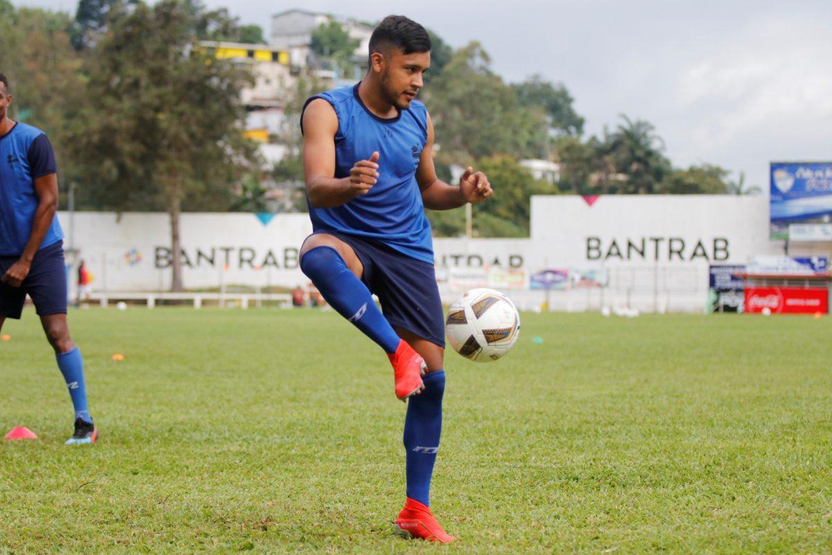 Víctor Guay celebra su cumpleaños con la convocatoria a la Selección Nacional