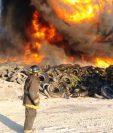 El incendio en la zona 3 es combatido por socorristas. Imagen de marzo de este 2019. (Foto Prensa Libre: Bomberos Voluntarios)