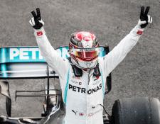 El piloto Lewis Hamilton se encuentra cerca de ganar su sexto título de la Fórmula Uno. (Foto Prensa Libre: Twitter Lewis Hamilton)