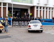 Así la situación frente a la comuna de Mixco luego de los despidos. (Foto Prensa Libre: Andrea Domínguez).