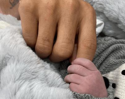 James Rodríguez publicó en sus redes sociales la primera fotografía de su hijo Samuel. (Foto Prensa Libre: Instagram @jamesrodriguez10)