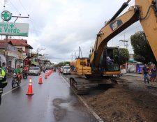 Con la habilitación de áreas de estacionamiento se espera solucionar, en parte, el problema del tránsito en Morales, Izabal. (Foto Prensa Libre: Dony Stewart)