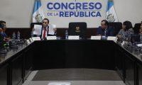 DIPUTADO MANUEL GIORDANO ENTREGA ENTREGA A LA COMISION DE DDHH LA FIRMA DE MAS DE 60 DIPUTADOS QUE SOLICITAN LA DESTITUCION DEL PROCURADOR AUGUSTO JORDAN RODAS.  NOE MEDINA 02102019