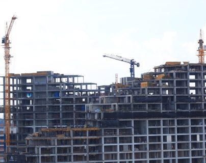 La construcción vertical para vivienda ha incrementado en los últimos años. (Foto, Prensa Libre: Carlos Hernández).