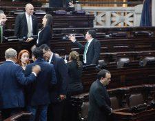 Congreso conocerá hasta el martes la decisión de la magistrada Silvia Valdés de poner a disposición su cargo. (Foto Prensa Libre: Noé Medina)