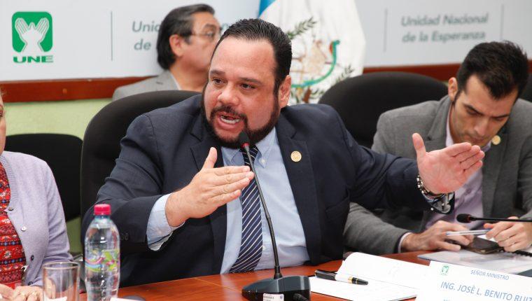 Bancada de la UNE cita a José Luis Benito ministro de Comunicaciones para explicar sobre los derrumbes en el Libramiento de Chimaltenango. (Foto Prensa Libre: Noé Medina)