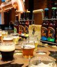 Presentación de la cerveza artesanal El Zapote: American Lager, Belgian White, Hefeweizen, Scottish Ale, India Pale Ale y Porter. Fotografía Prensa Libre: Fernando Cabrera