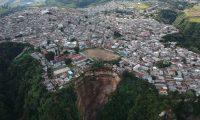 Colonias Nueva Esperanza y Asentamiento el regalito de Dios en Peronia. (Foto Prensa Libre: Carlos Hernández)
