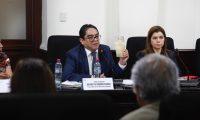 Procurador Jordán Rodas acudió a una citación tensa, dirigida por diputados que buscan a toda costa su destitución. (Foto Prensa Libre: Hemeroteca PL)