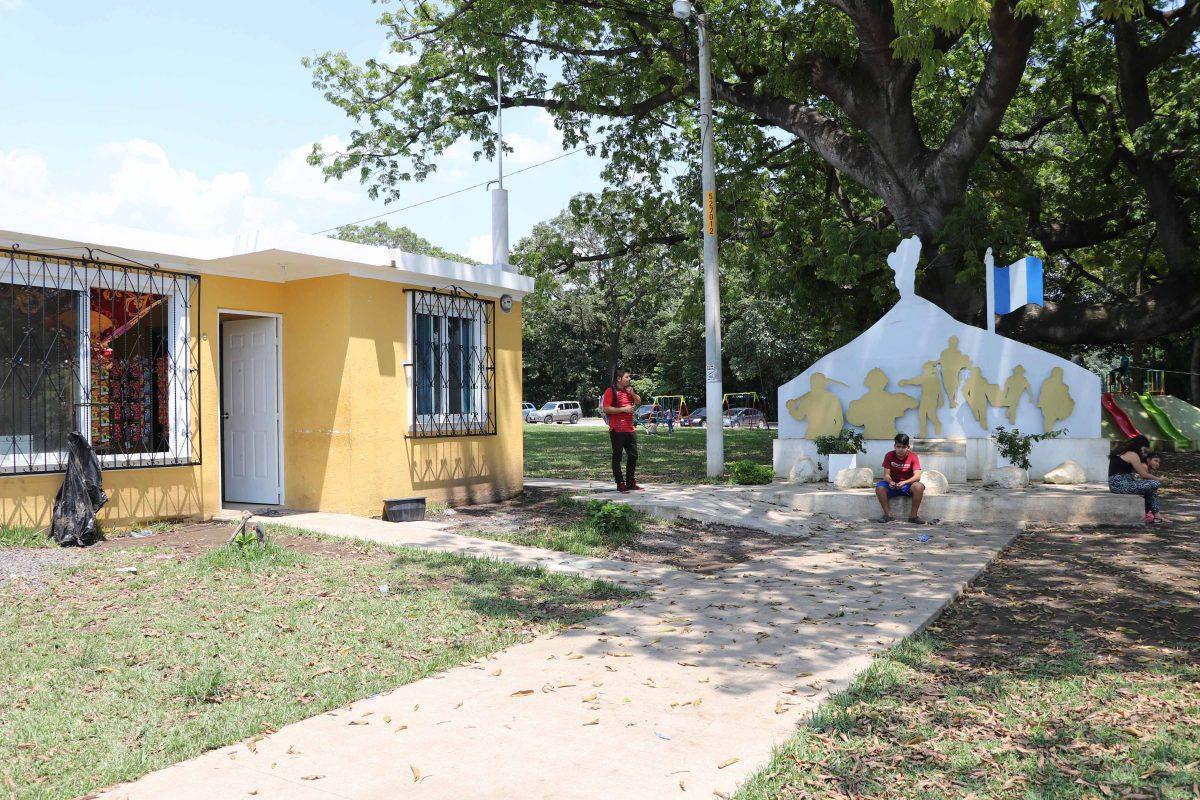 Reparan daños en viviendas recién entregadas a víctimas del Volcán de Fuego