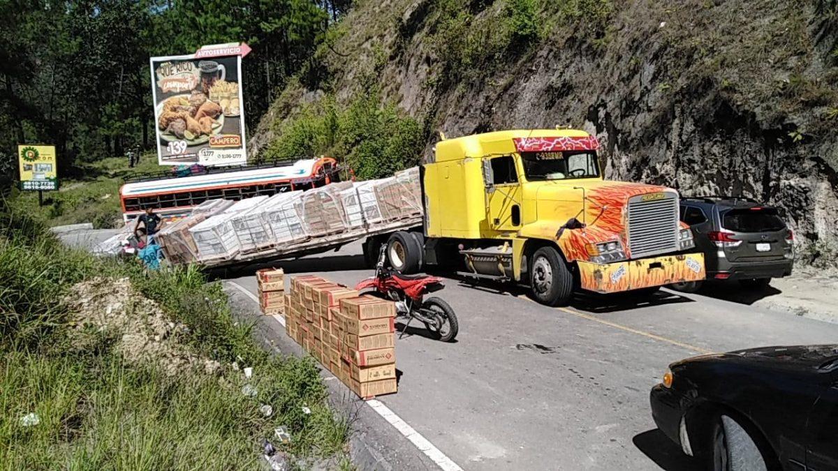 Los atascos viales en la carretera de Los Encuentros a Quiché se quedan sin solución