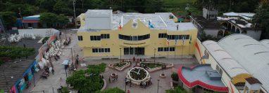 Cuatro años después de haber sido elevado a municipio, Sipacate muestra cambio en su infraestructura. (Foto Prensa Libre: Carlos Paredes)