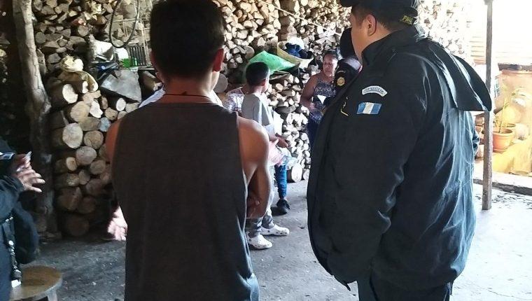 En Colomba, Quetzaltenango, la PNC detuvo a varios integrantes de la Mara Salvatrucha MS-13. (Foto Prensa Libre: PNC)
