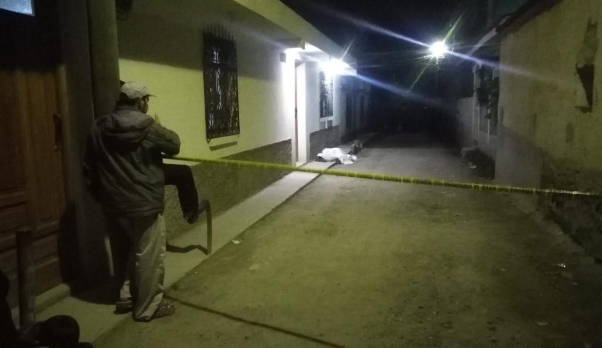 Matan a madre e hija; hombre que las acompañaba resulta herido de bala